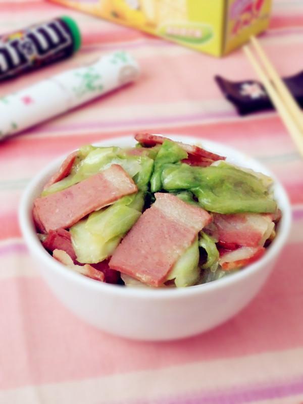 培根炒圆白菜成品图