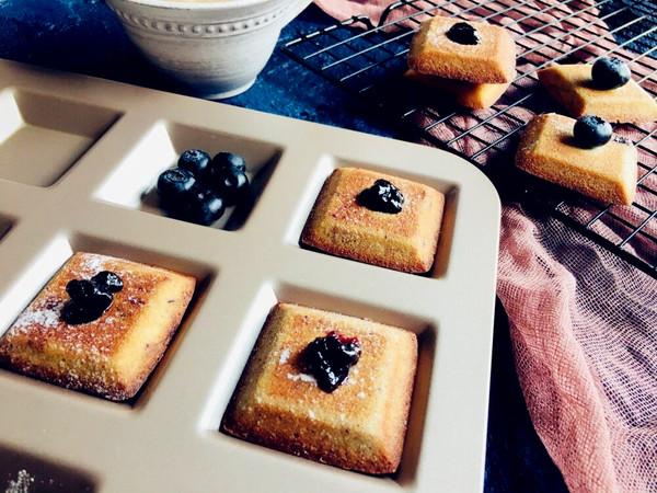 蓝莓酱费南雪成品图