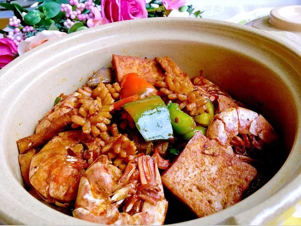 干锅海鲜豆腐成品图