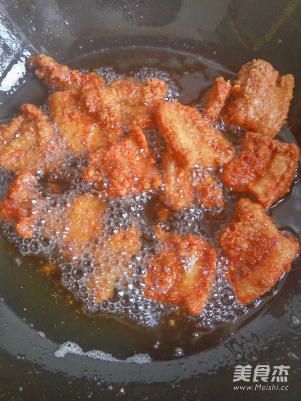 卫生带_炸米粉肉的做法_炸米粉肉怎么做_美食杰