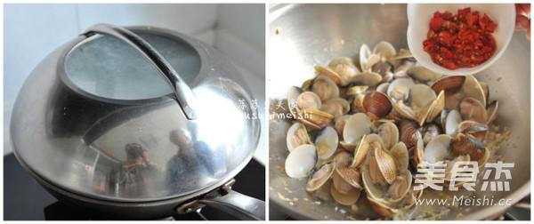 剁椒炒花蛤怎么吃