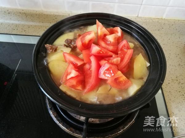 西红柿土豆牛腩煲怎么煮