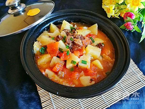 西红柿土豆牛腩煲怎么煸