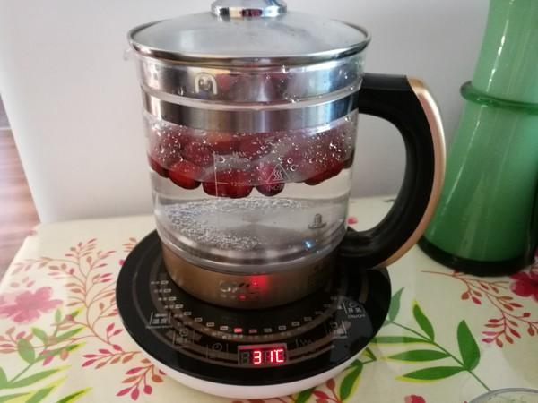 红枣桂圆菊花枸杞养生茶的家常做法