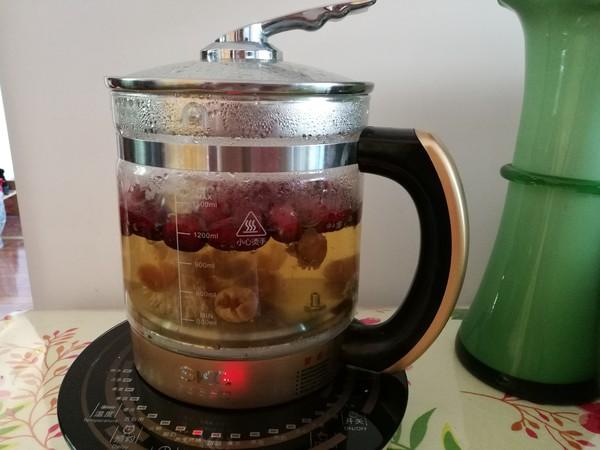 红枣桂圆菊花枸杞养生茶怎么做