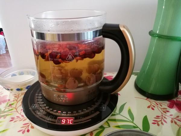 红枣桂圆菊花枸杞养生茶怎么煸