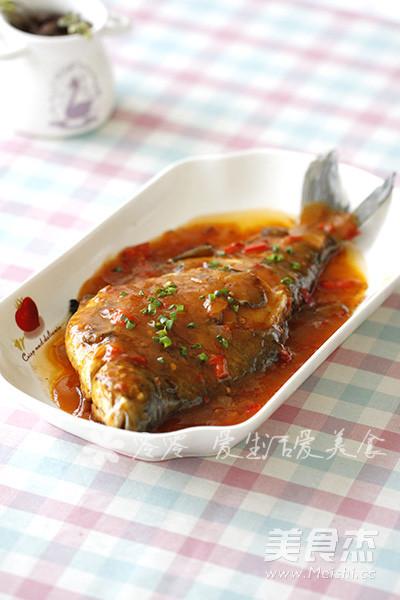 红烧鳊鱼成品图