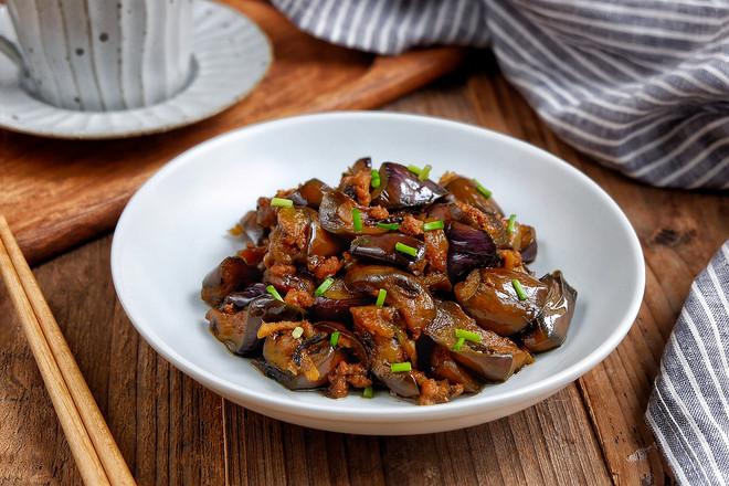橄榄菜肉末茄子成品图