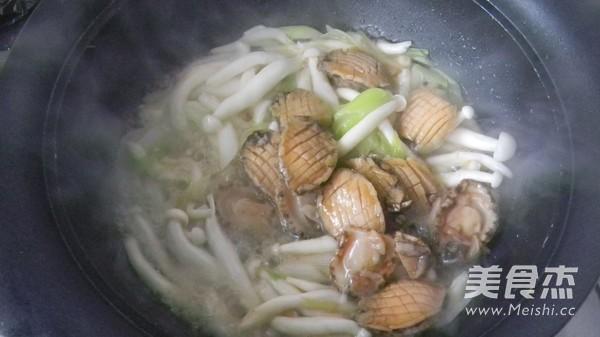 鲍鱼海鲜菇怎么炒