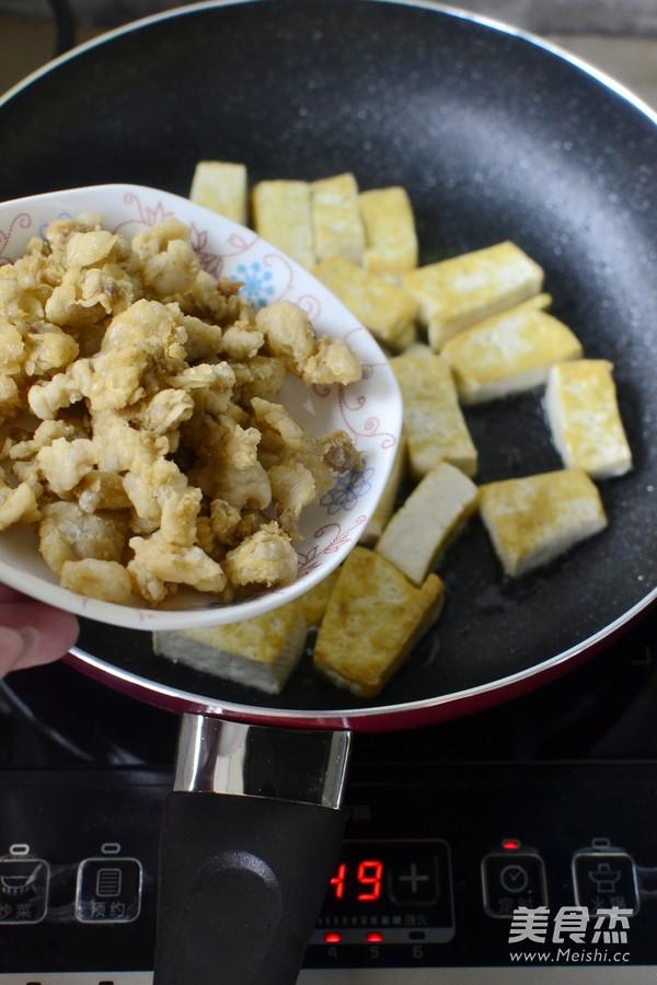 猪油渣烧豆腐怎么做