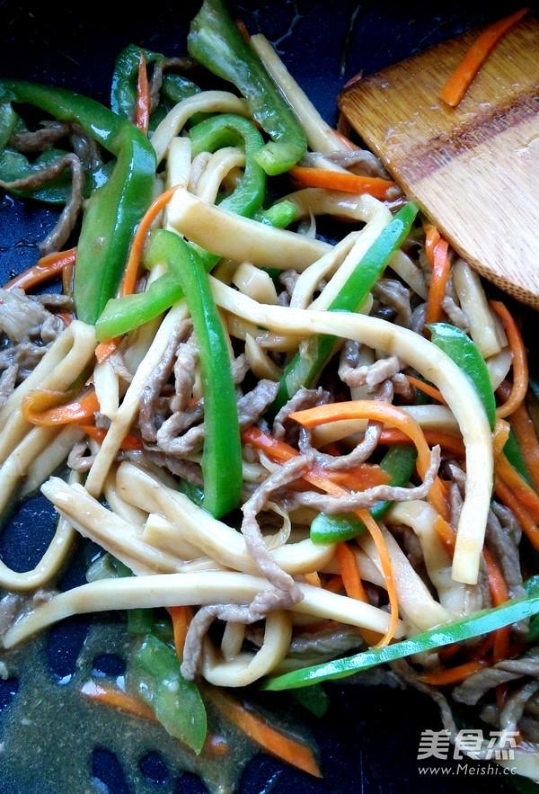 蚝油杏鲍菇炒肉丝的简单做法