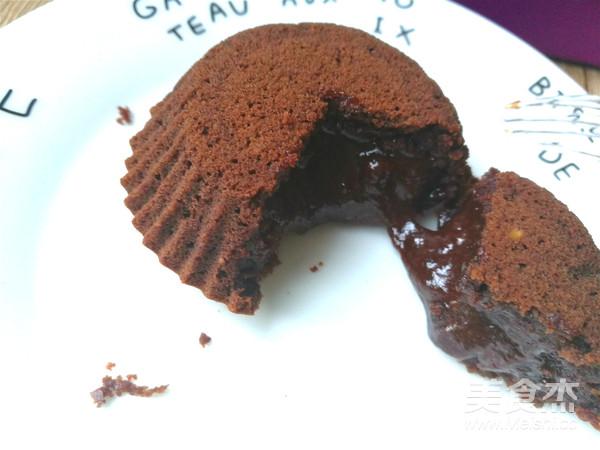 巧克力熔岩蛋糕成品图