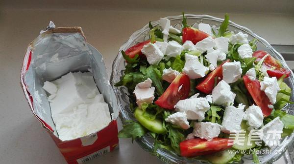 白奶酪蔬菜沙拉的简单做法