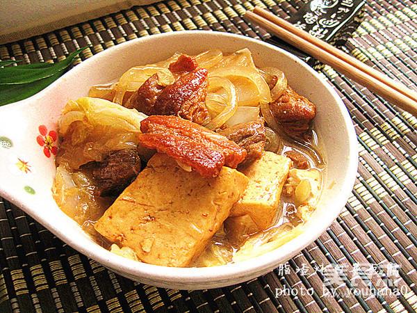 脂渣炖白菜豆腐成品图