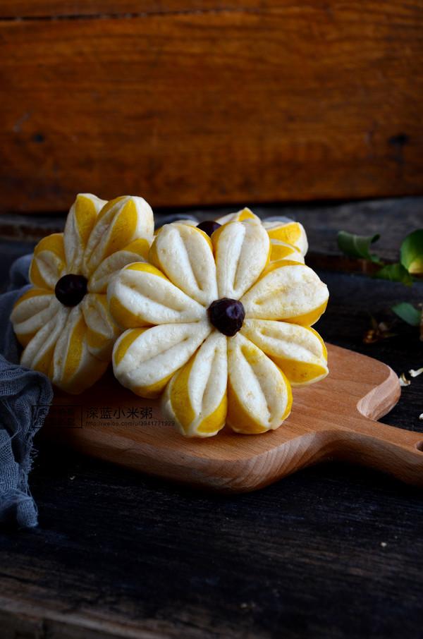 南瓜双色花朵馒头成品图