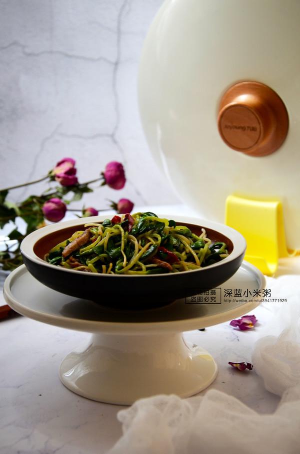 黑豆芽炒肉丝成品图
