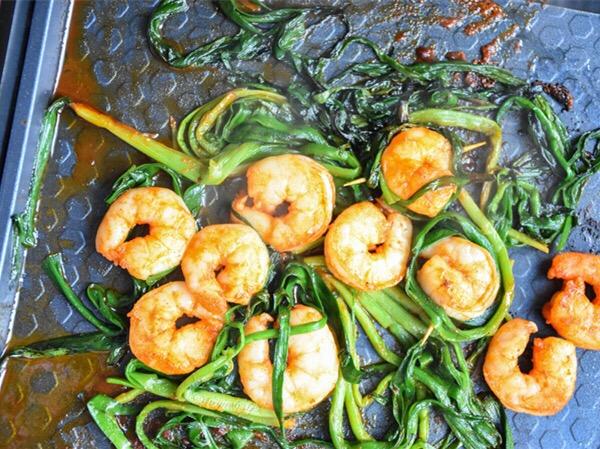 新奥尔良虾仁韭菜怎么吃