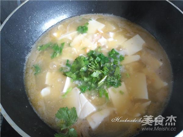 咸蛋黄虾仁豆腐怎么煮