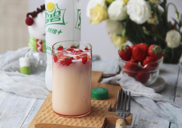 草莓雪碧养乐多成品图