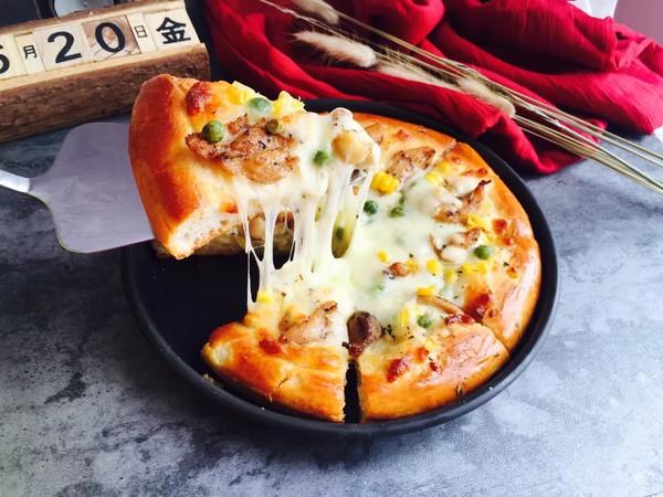黑椒鸡腿披萨成品图