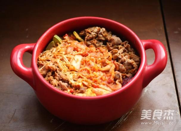 韩式泡菜牛肉锅成品图