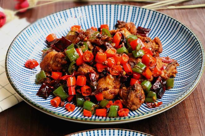 鲜椒辣子鸡,小美的美食成品图