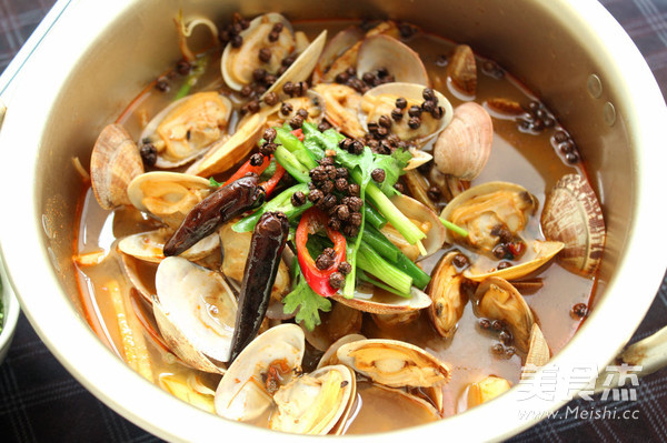 麻辣水煮花蛤成品图