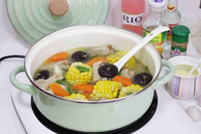 玉米排骨汤_胡萝卜玉米山药排骨汤的做法_胡萝卜玉米山药排骨汤怎么做_美食杰