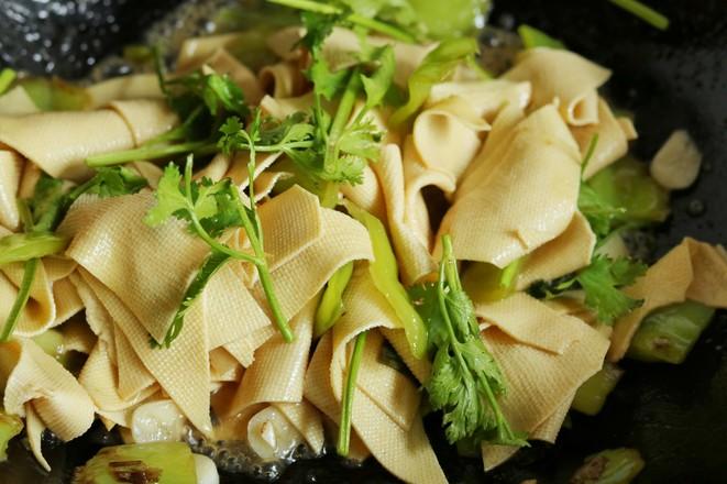 尖椒干豆腐怎样做