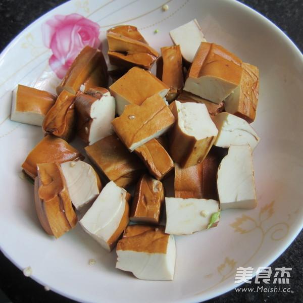 酱香豆腐炒肉的家常做法
