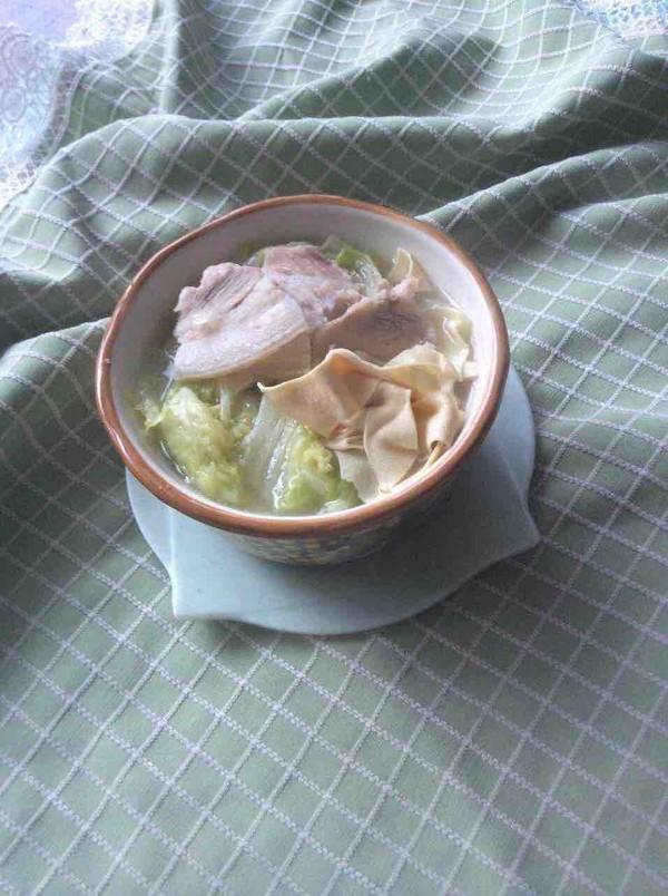 五花肉白菜炖干豆腐成品图