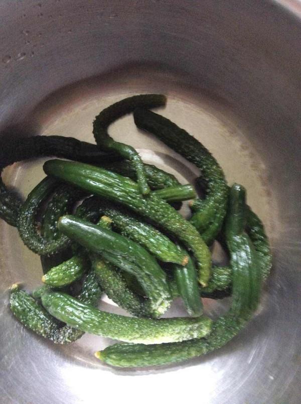 虾油小黄瓜的简单做法