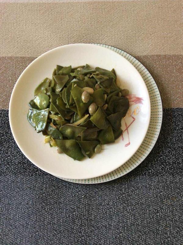 素炒紫扁豆成品图