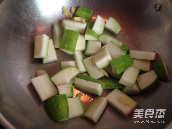 毛瓜瘦肉汤的简单做法