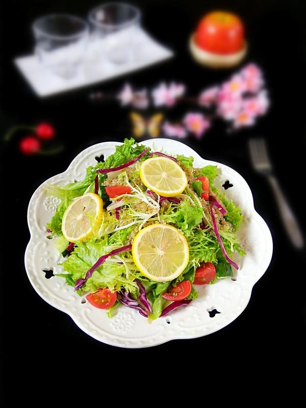 藜麦果蔬沙拉成品图