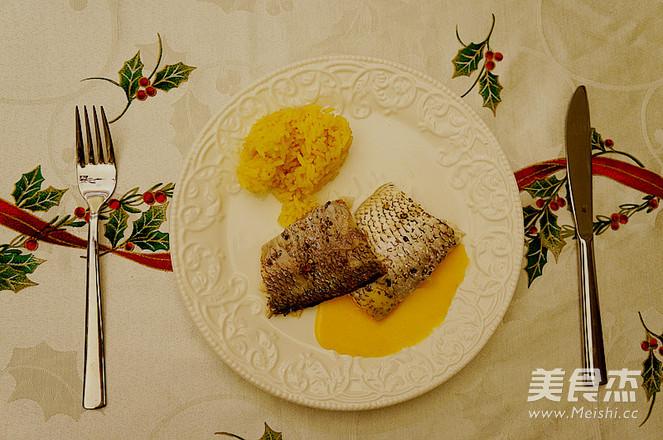 八角茴香火烧鲷鱼成品图