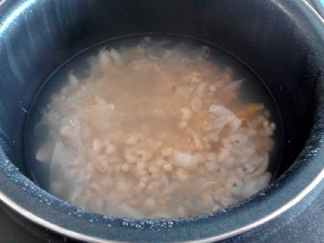 百合薏米银耳汤怎么煮