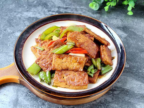辣椒焖豆腐怎么做