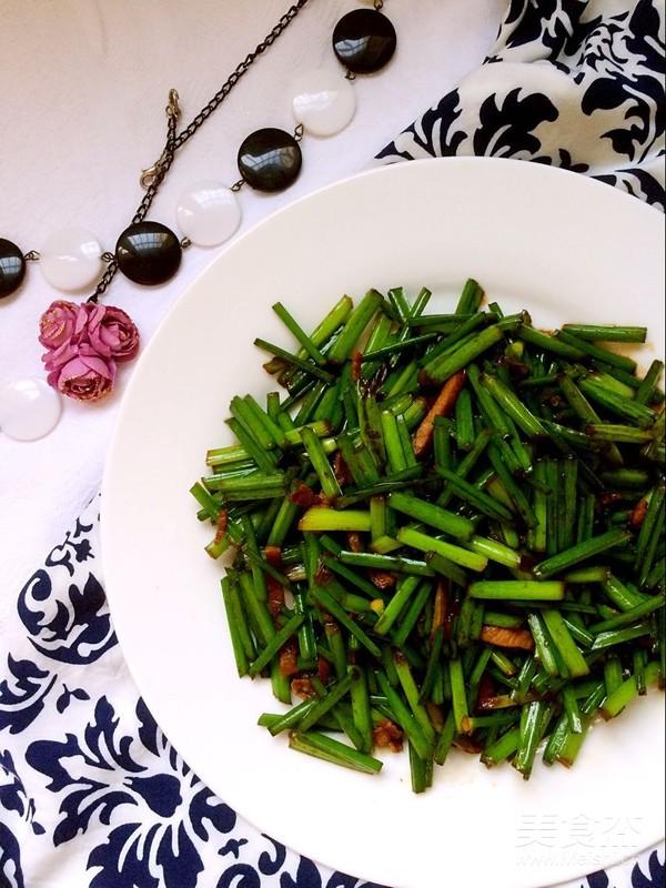 家常肉炒韭菜苔怎么炒
