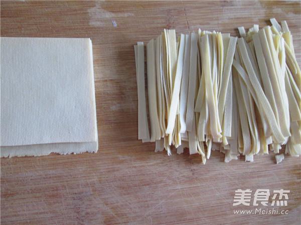 大葱炝干豆腐丝的简单做法