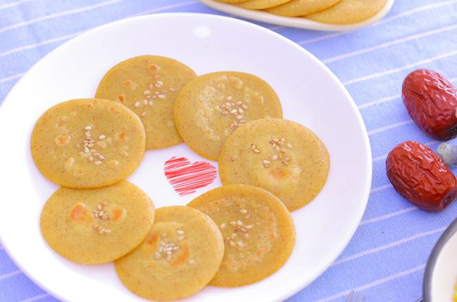 助消化还养胃——小米红枣蛋黄饼 宝宝辅食食谱成品图