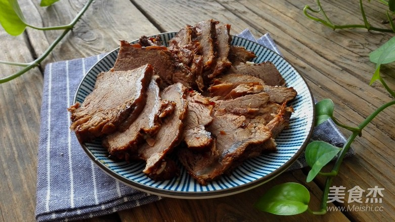 家传秘制卤牛肉成品图