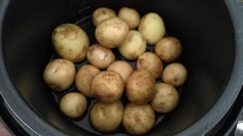 香煎小土豆#夜宵#的做法图解
