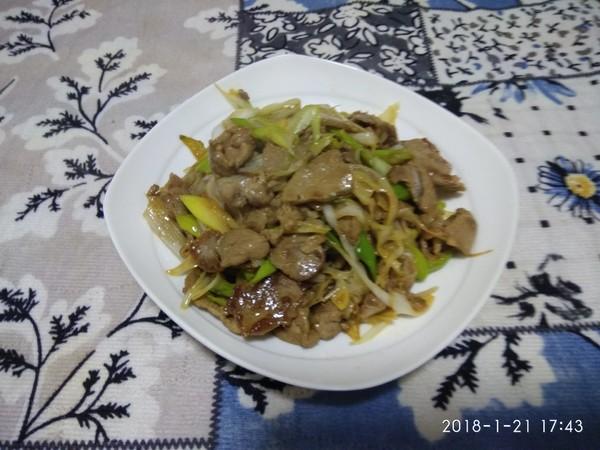 大葱炒羊肉午餐成品图