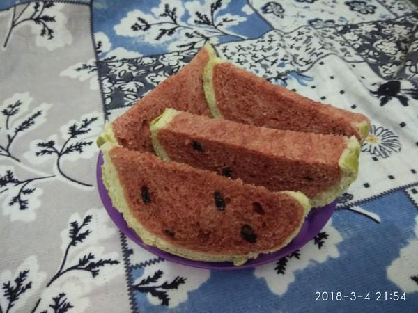 西瓜面包成品图