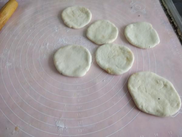 烫面花生馅糖饼怎么做