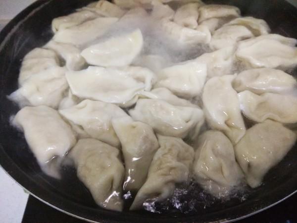 酸菜猪肉水饺怎样炒