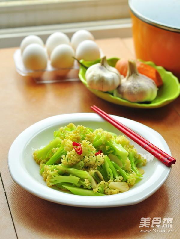 清炒菜花成品图