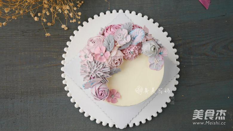 完美海绵奶酪裱花蛋糕成品图