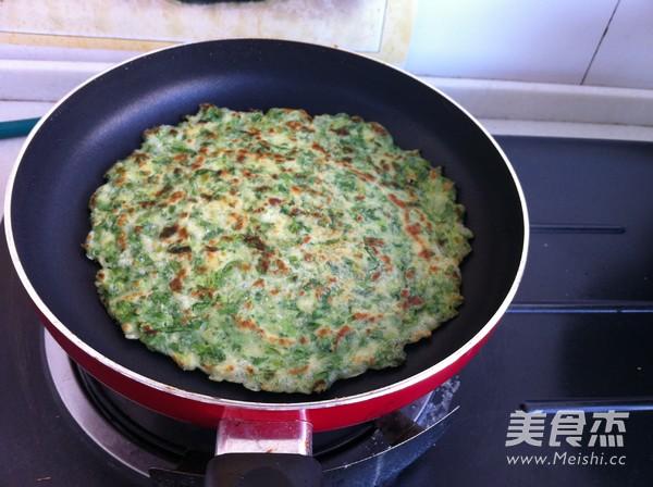 芹菜叶鸡蛋饼怎么炒